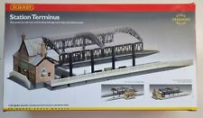 More details for hornby r8009 train station terminus 00 gauge - boxed - part built - free post
