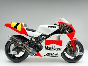"""24"""" X 30"""" High Definition PHOTOGRAPH Poster Wayne Rainey 1991 YZR500 Right Side"""