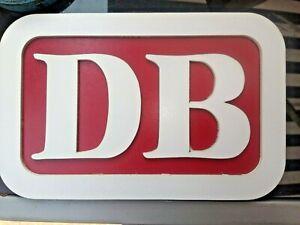 Schild mit DB - Schriftzug (alte Form)