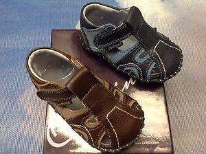 Pediped Originals Boy Brody Leather V Closure Sandals Size Newborn to 24 Months