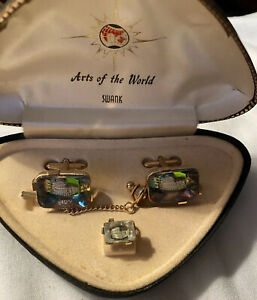 SWANK Arts Of The World Cufflinks And Tie Tac Set Bavarian Crystal Colosseum