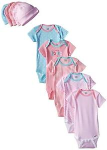 Gerber Baby-Girls 10-Piece Newborn Mommy Loves Me Bundle Gift Set 0-6M