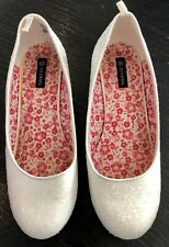 White Dressy Snowflake Crystal Shoes 2 Inch Heel Youth Sz 4 Girl Frozen