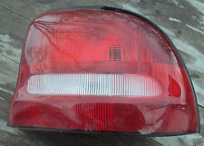 1996-1998 Dodge Plymouth Neon >< Tail Light Assembly >< Right Side