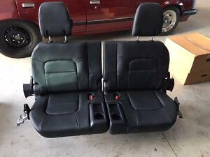 GENUINE TOYOTA 2016/17 Toyota Landcruiser Prado 3rd row leather seats Near new!