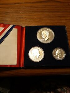Collectible 1776-1976 United States Silver Bicentennial Proof Coin Set