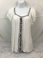 Bailey and Chloe Spanish Style Blouse Womens M White Blue Short Sleeve Top NWT C