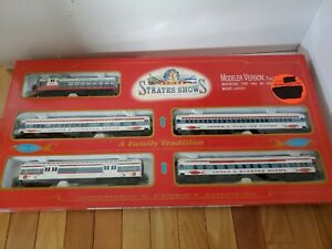 IHC 318 Strates Show Special Edition Series One Passenger Car Set. Sealed Cart.