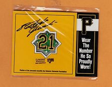 RARE 1994 PITTSBURGH PIRATES ROBERTO CLEMENTE #21 SMALL PATCH IN PACKAGE UNSOLD