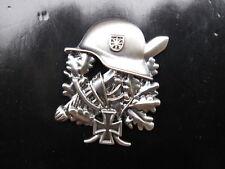 WH Steel Helmet EK 1 Oak Leaves WWII WK2 WWI Pin Helmet Oakleaf Iron Cross