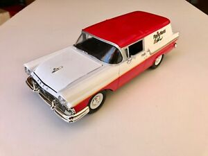 Johnny Lightning 1:24 1957 Ford Courier Sedan Delivery Fairlane Station Wagon