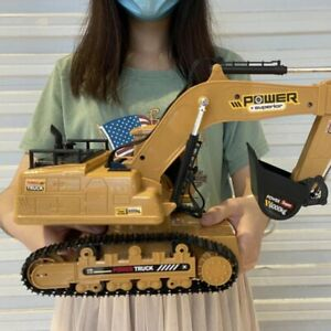 1/18 RC Truck RC Excavator 2.4G Radio Controlled Car Caterpillar Tractor Model