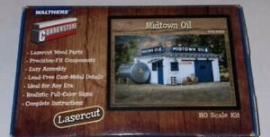 Walthers 933-3322 HO Midtown Oil Building Kit
