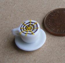 1:12 SCALA caffè in una tazza di ceramica bianco & Piattino Casa delle Bambole Miniatura Bere D6