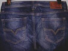 DIESEL LARKEE REGULAR FIT STRAIGHT LEG JEANS 008MD W32 L30 (3218)