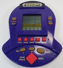 1999 YAHTZEE JACKPOT HANDHELD SLOT MACHINE GAME -G7
