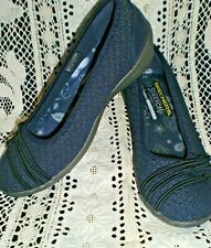New Sketchers Stretch Fit Air- Cooled Memory Foam, navy, size 7, beautiful