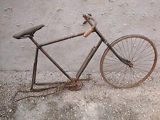 Vélo ancien grand bi vélocipède draisienne cycles bicyclette grand-bi