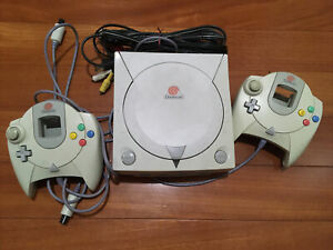 Tested And works Sega Dreamcast HKT-3020 White Console 2 Controllers & Cables