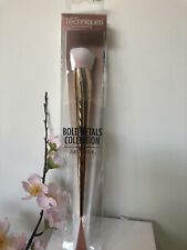 New Real Techiques Bold Metals Collection 301 Flat Contour Makeup Brush