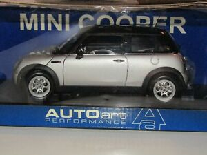 AUTOart 1/18 MINI COOPER grise