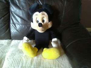 """Vintage Disney 25""""Inch Mickey Mouse Cassette Player Plush 1980s Worlds Of Wonder"""