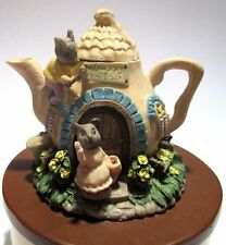 Tea house Music box with bunnies