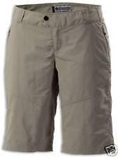 Columbia TITANIUM Damen Outdoor Bermuda Short Hose kurz beige Gr. 40 M NEU