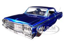 "1964 CHEVROLET IMPALA BLUE ""SHOWROOM FLOOR"" 1/24 DIECAST MODEL CAR BY JADA 98908"