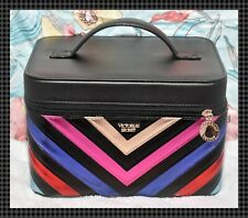 ��Victoria's Secret Cosmetic Make-up Runway Vanity Train Case Organizer Travel��