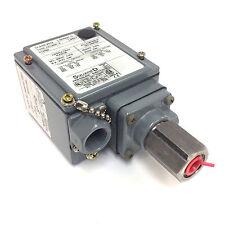 Máquina herramienta Interruptor De Presión 9012-CGPM - 2 Square D 9012 CGPM 2
