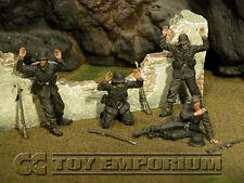 "Custom  Built  &  Weathered 1:35 WWII  German  SS  ""Surrender"" Soldier Set  (4)"