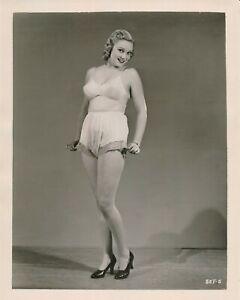 1930s Original 8x10 Cheesecake Lingerie Photo Buxom Blonde Undies High Heels vv