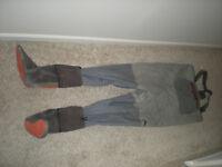Simms WADER Freestone Wading Men's Fishing Pants RN# 103631 (size L LARGE 9-11)