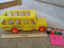 Vintage Fisher Price Little People School Bus 4 Figures 192 Mommy boy girl LOT H