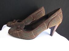 Stuart Weitzman Women Dark Brown Plaids Fabric Bow Pump Mid High Heels Shoes 8.5