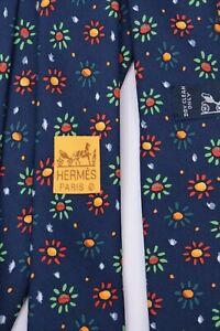 HERMES Paris Daisy Flower Floral Pattern 100% Silk Blue Necktie 7836 UA