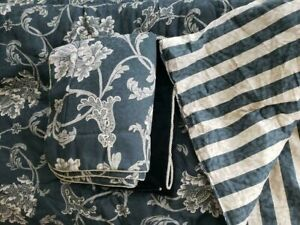 Croscill Home KING Reversible Comforter Set Black Floral Striped Velvet 5 Piece