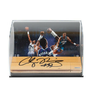 Alonzo Mourning Signed Auto NBA Game Used Floor Piece Display Hornets #19/33 UDA