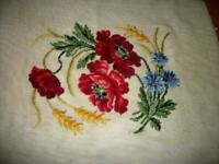 1940s FRENCH FARMHOUSE HANDMADE NEEDLEPOINT RUG POPPIES FLOWERS VINTAGE