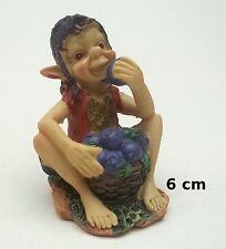 figurine PIXIE ELFE PIXIES FARFADET KORRIGAN, mangeur de fruits, 6 cm G29-08