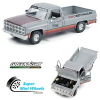 Greenlight 1:18 - 1981 GMC Sierra Classic 1500 Pickup Truck (Silver/Red)