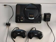 Sega Mega Drive 1 Konsole mit Zubehörpaket.