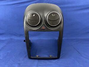 2005 - 2009 PONTIAC G6 OEM BLACK CENTER RADIO HEAT AC VENT BEZEL VENTS TRIM