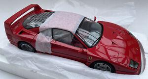 Ferrari F40 diecast model road sports car red 1:18th scale Kyosho 08411R BOX