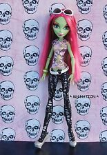 Monster High Scarah Screams' I LOVE FASHION Outfit and Accesories