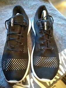 Mens under armour rapid   trainers size 10