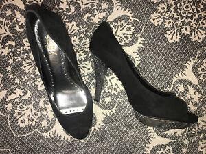 BCBG Paris Tapaz  Black Suede Snakeskin Pump heels Size 8.5 B  38.5
