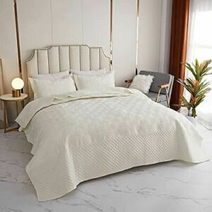 Kindred Home 3 Piece Quilt Set Curvy Pattern Bedspread - Soft Microfiber Lightwe