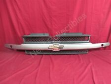 NOS OEM Chevrolet Trailblazer Radiator Grille 2002 - 04 Pewter (11U)